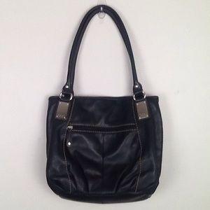 Tignanello shoulder bag in black leather.